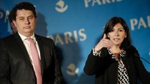 La alcaldesa de París Anne Hidalgo en la rueda de prensa en la que ha anunciado la creación del campamento para los refugiados.