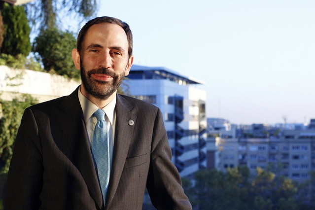 Andreu Veà es doctor en ingeniería en telecomunicaciones y especializado en Internet.