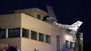 Imagen de la avioneta que ha colisionado en Badia del Vallès.