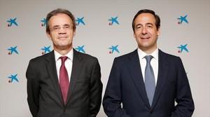 Jordi Gual y Gonzalo Gortázar, presidente y consejero delegado de CaixaBank.