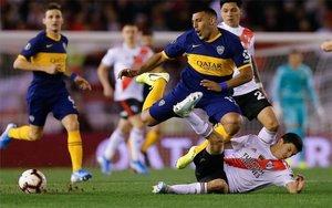 El súper clásico argentino entre River Plate y Boca Juniors.