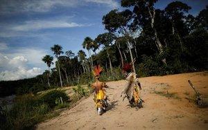 Miembros de una etnia indígena de Brasil.