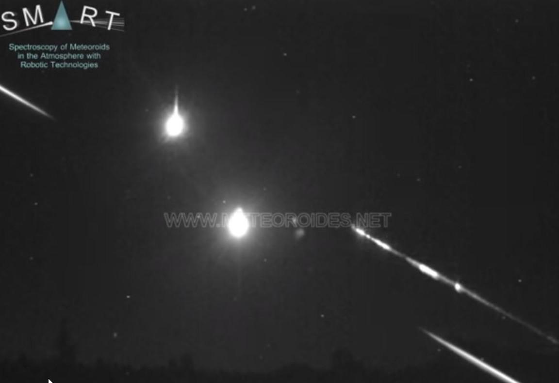 Fotograma del vídeo en el que se ve la bola de fuego al caer.