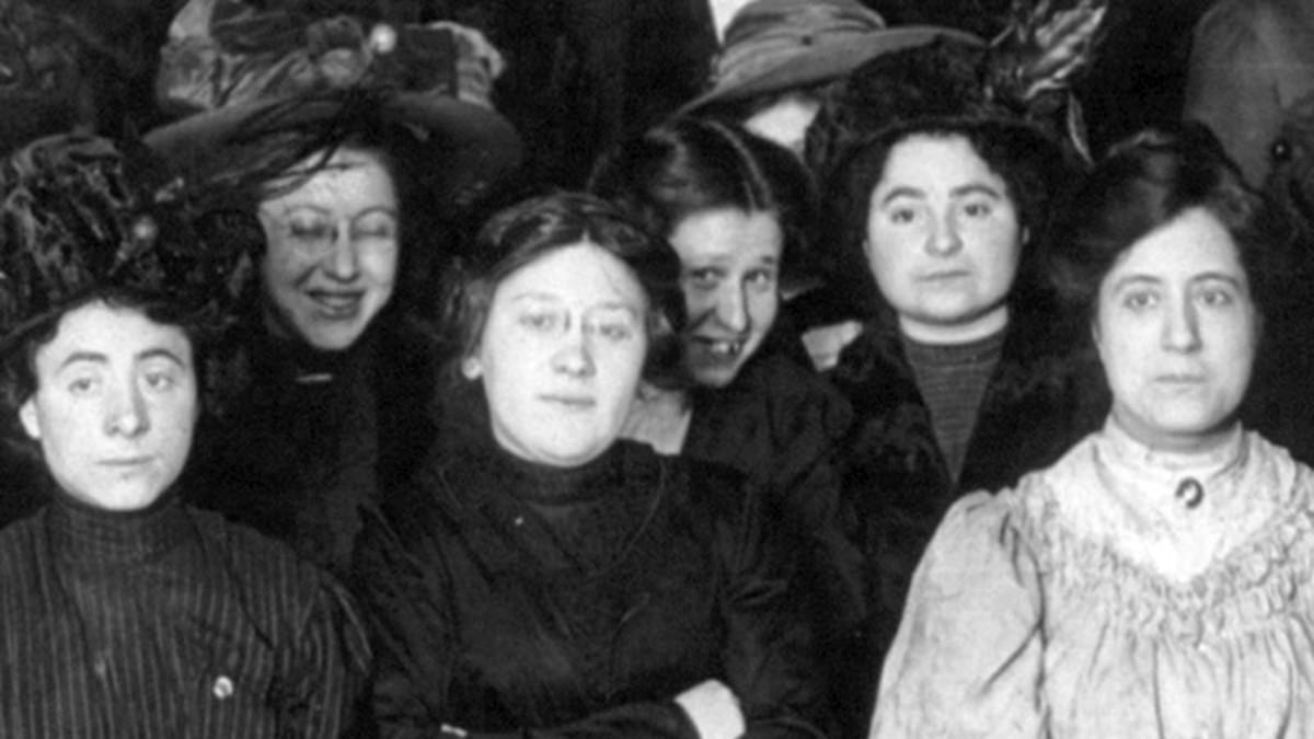 DÍA INTERNACIONAL DE LA MUJER: Trabajadoras textiles de Nueva York, durante una huelga en 1910.