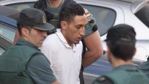 Driss Oukabir, conducido por la Guardia Civil en el centro de detención de Tres Cantos (Madrid) el 22 de agosto de 2017, día en que ingresó en prisión.