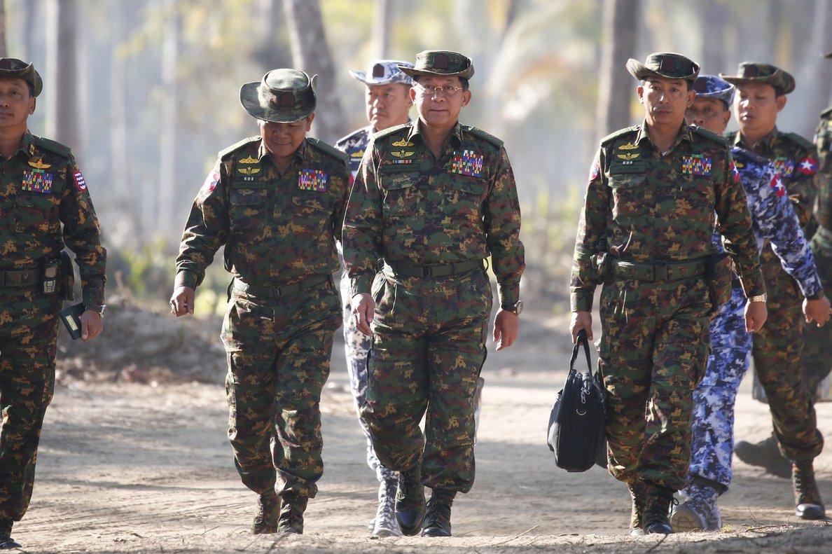 Más de 33.000 personas se han visto desplazadas en los últimos cuatro meses por los enfrentamientos que mantienen esta guerrilla y el Ejército.