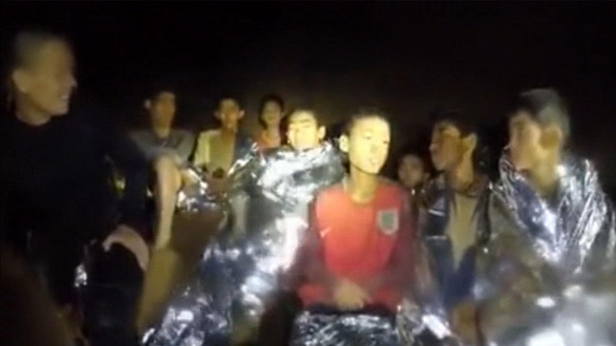 Fallece un buzo en las tareas de rescate de los niños en la cueva de Tailandia.