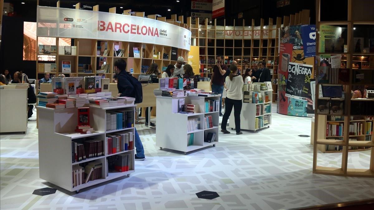 El puesto de Barcelona en la Feria del Libro de Buenos Aires.