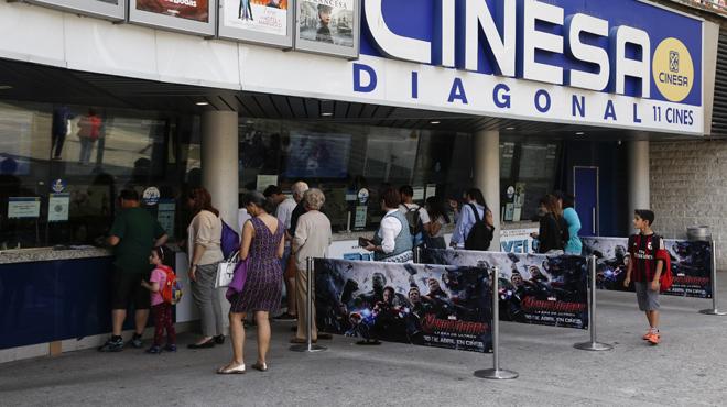 El filme de superhéroes llena las salas de público dispuesto a disfrutar de películas de estreno por 2,90 euros.