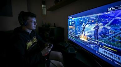 Padres y expertos libran una batalla contra el videojuego 'Fortnite'