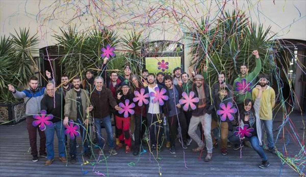 Foto de familia de los artistas que participarán en la cuarta edición de Canet Rock, ayer, durante la presentación del programa en Barcelona.