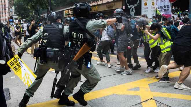 Més de 300 detinguts en les protestes de Hong Kong contra la llei de seguretat