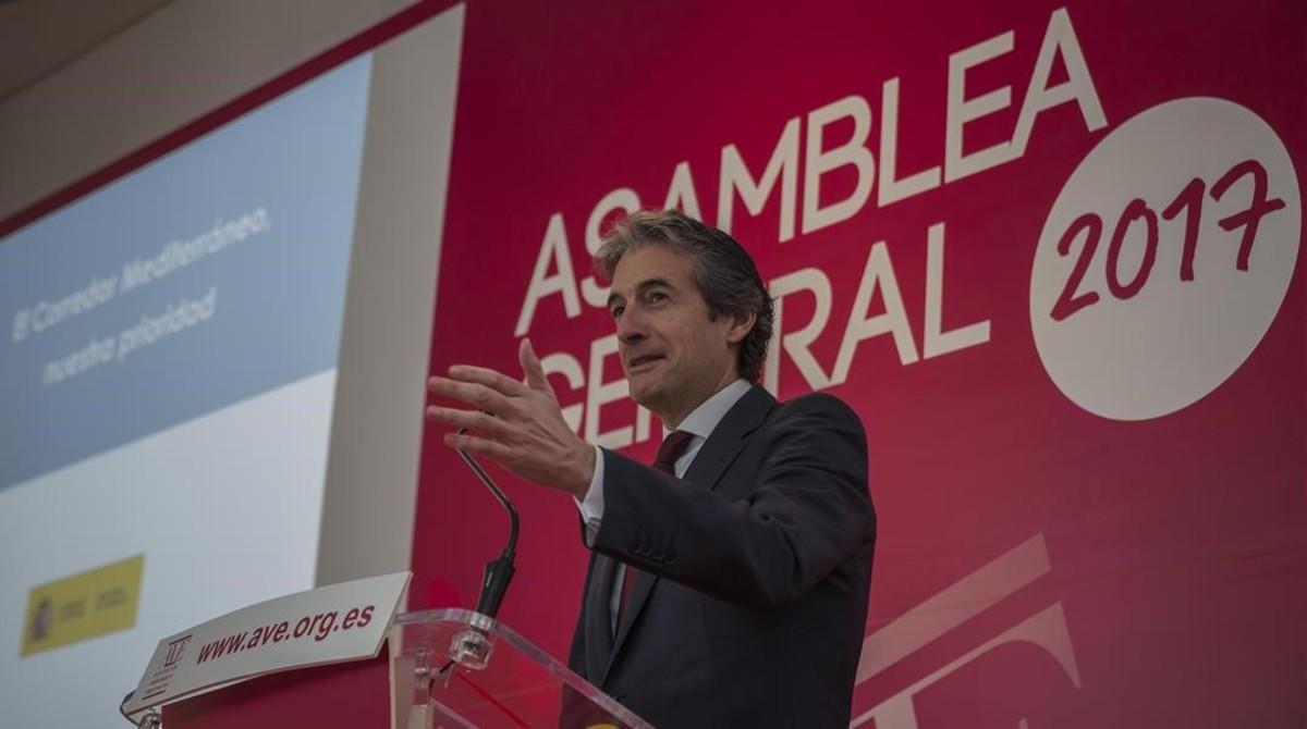 El ministro de Fomento, Ínigo de la serna, en València, el pasado febrero.