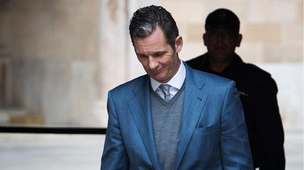El Tribunal Supremocondenó hoy a Iñaki Urdangarin, cuñado del rey Felipe VI, a cinco años y diez meses de prisión por un caso de corrupción.