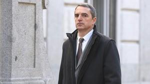 El jefe de la Comisaría Superior de Coordinación Central de los Mossos, Joan Carles Molinero,llega al Tribunal Supremo, este martes.