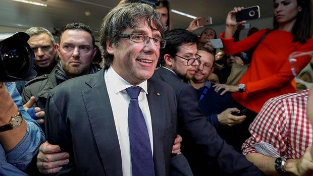 Un portaveu de la fiscalia de Brussel·les explica la situació de Carles Puigdemont i els exconsellers.