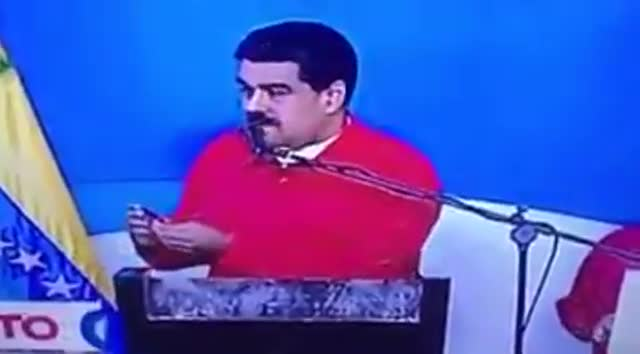 Los problemas con la tarjeta de voto de Maduro.