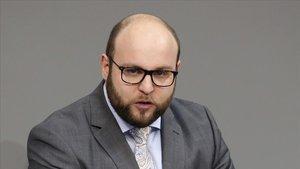 El diputado de extrema derecha alemán,Markus Frohnmaier, en el Parlamento alemán el pasado 4 de abril.