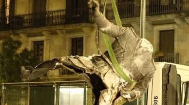 #Samataopaco, la catarsis tuitera con el Franco decapitado del Born