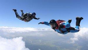 Un paracaidista hondureño muere en demostración de salto.