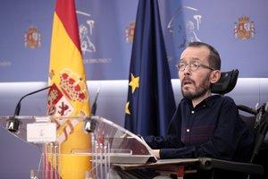 El portavoz de Unidas Podemos en el Congreso, Pablo Echenique, en ruda de prensa tras la Junta de Portavoces del Congreso de los Diputados.