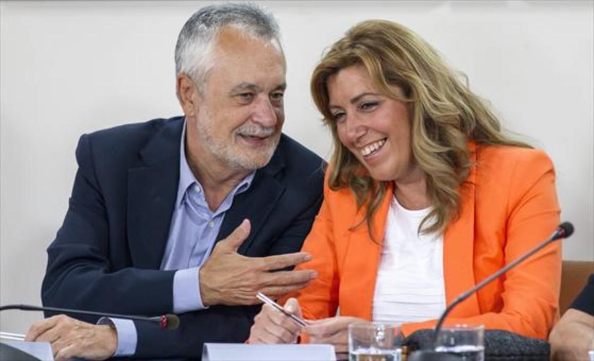 La presidenta de la Junta, Susana Díaz, y su antecesor, José Antonio Griñán.