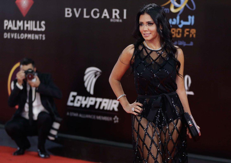Rania Youssef, posando en la alfombra roja del Festival Internacional de El Cairo, el pasado jueves.