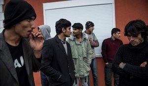 Refugiados afganos deportados por Grecia a territorio turco.