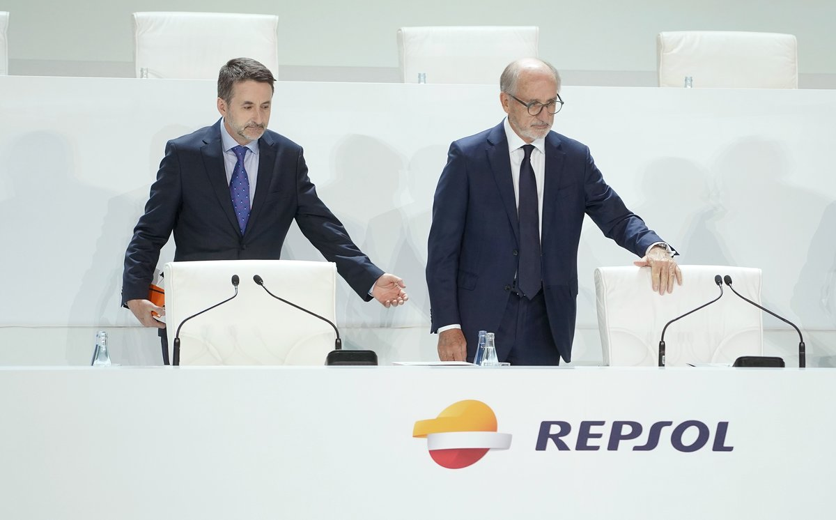 Imagen de la Junta General de Accionistas de Repsol. Antonio Brufau, presidente y Josu Jon Imaz San Miguel, consejero delegado