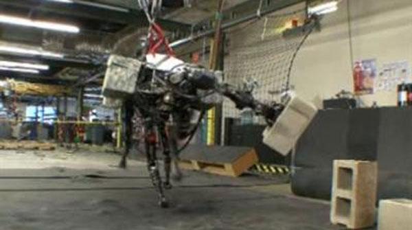 BigDog es el robot creado y diseñado por la empresa norteamericana Boston Dynamics.