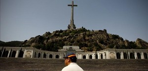 Turistas en el Valle de los Caídos.
