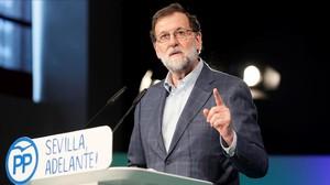 Mariano Rajoy, este sábado, en un mitin en Sevilla.