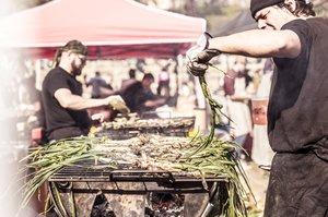 Fuego, humo y comida se unen en What the Foc!.