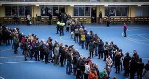 arcelonaBarcelones21 12 2017Politica21DVotaciones para las Elecciones al Parlament de CatalunyaDG171221ex0224en la fotoAmbiemte y votacion en el colegioLa Salle de GraciafotoPUIGJOAN
