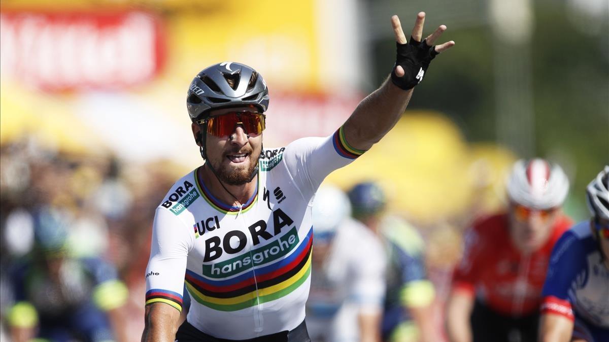 Peter Sagan celebra la victoria en la segunda etapa del Tour.