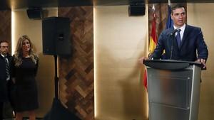 Pedro Sanchez interviene ante la colectividad espanola durante su visita a Canadá.