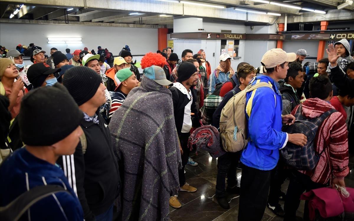 La caravana d'immigrants, llesta per reprendre la marxa cap als EUA