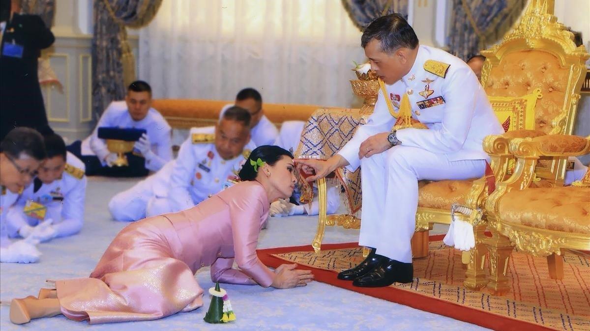L'agitada vida del rei tailandès