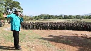 Maduro anima les forces militars a mantenir-se unides