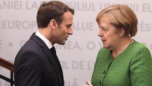 Merkel i Macron escenifiquen les seves diferències de cara a les eleccions europees