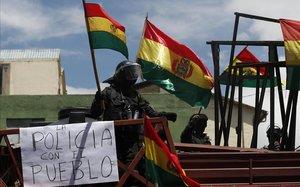 Els motins policials eleven la pressió sobre Evo Morales a Bolívia