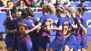 Las futbolistas del Barça celebran uno de los tres goles de Jenniffer Hermoso.