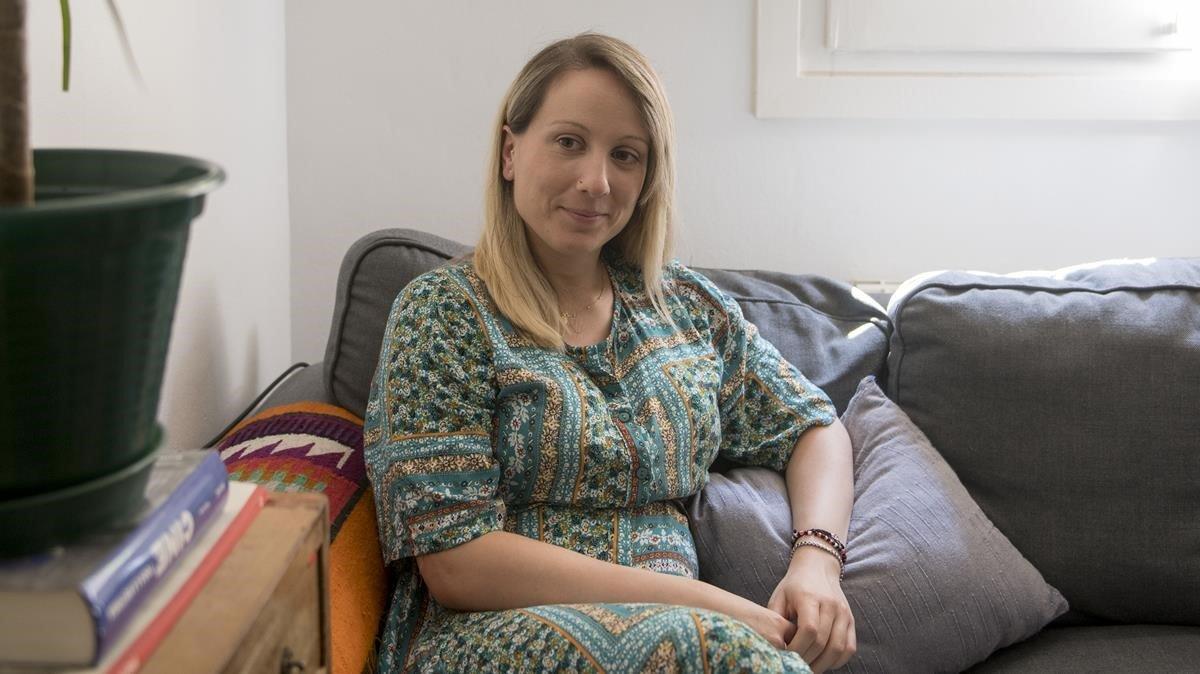 Mónica Arenas, enfermera que ha estado en contacto con pacientes covid 19, relata su experiencia a los seis meses de su embarazo.