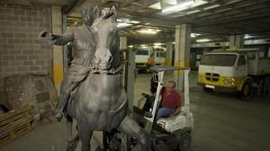 fcosculluela8070890 barcelona 22 04 2008 estatua ecuestre de franco almacenada e161014172914