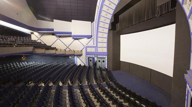 La cadena yelmo estudia proyectar cine en versi n original for Yelmo cines barcelona