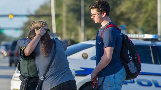 Una profesora española sobrevive al tiroteo de Florida escondida en un armario