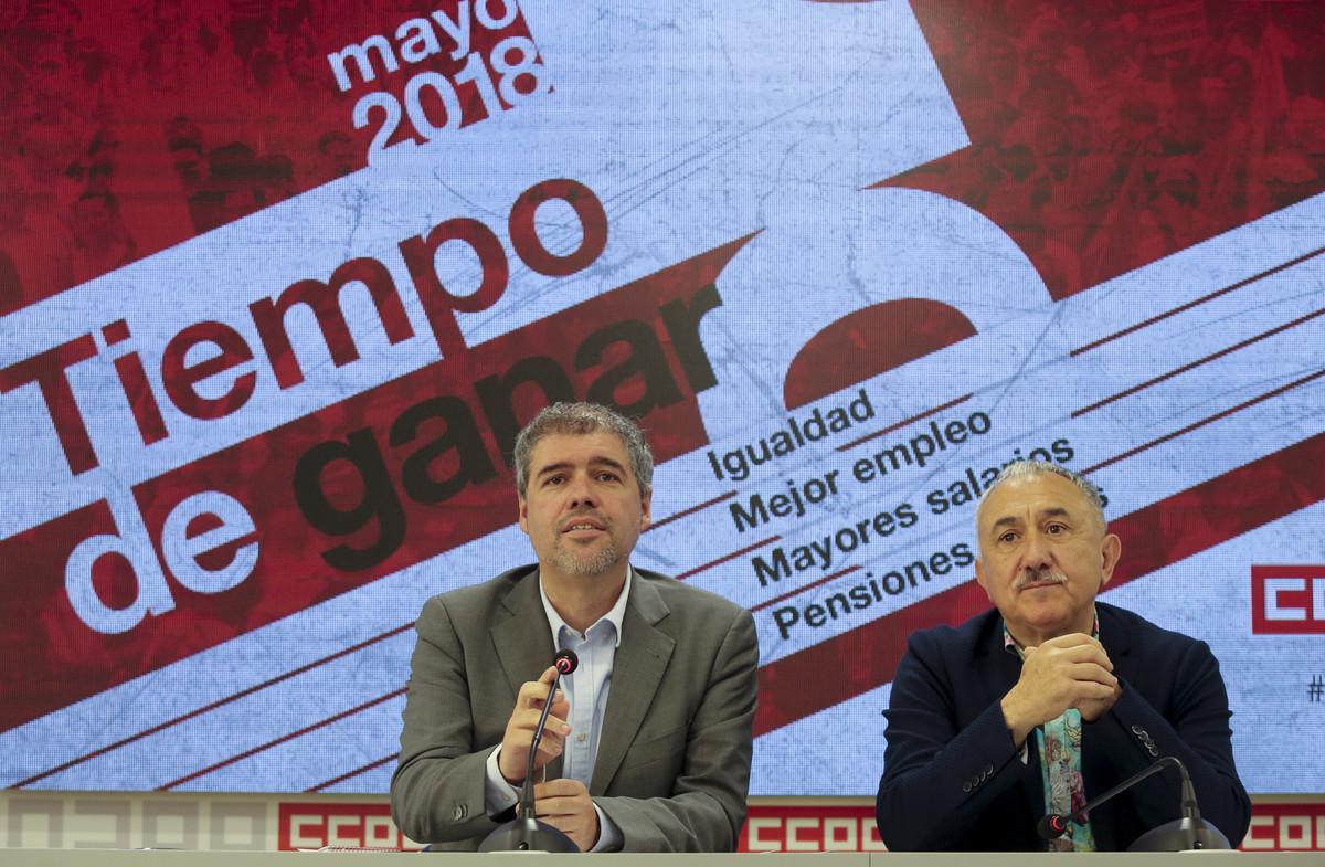 Unai Sordo (CCOO) y Pepe Álvarez (UGT), en la rueda de prensa de hoy para presentar el Primero de Mayo.