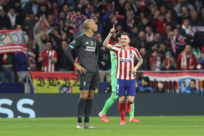 El Atlético Saúl celebra el 1-0 ante el Liverpool.