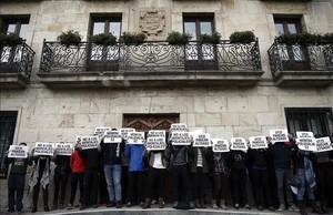 Acto de apoyo de vecinos y amigos de los dos primeros detenidos por la agresión a dos guardias civiles en Alsasua, el pasado día 17 de octubre.