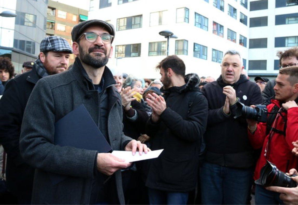 El alcalde de Sabadell, Maties Serracant, a la salida del juzgado.